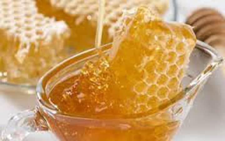 Mẹo chữa nhiệt miệng nhanh bằng mật ong chín